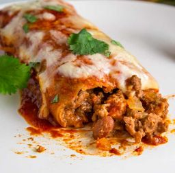 Enchiladas de Mole Negro