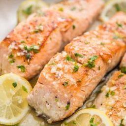 Paquete 4: Cena premium Salmón y Lasaña de Carne con ensalada