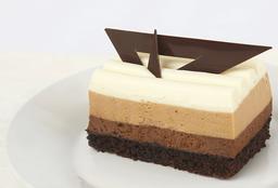 Pastel Individual de Mousse de Tres Chocolate