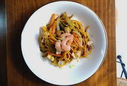 Chow Mein con Camarón