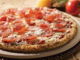 Combo de Pizza Pepperoni y Tomates Santissima  30% OFF