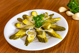 Pepinillos Salados