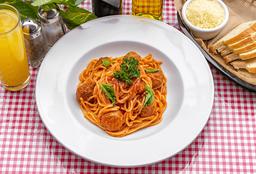 Spaguetti con Albóndigas de Res
