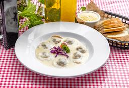 Ravioli de Carne con Salsa Gorgonzola