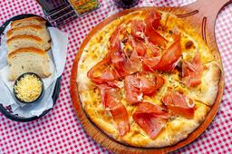 Pizza Focaccia Al Crudo