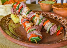 Brochetas Mar y Tierra