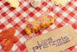 Pretzels Dog con Ajo Parmesano