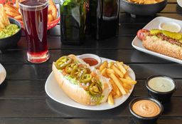 Mr Dog del Caribe Hot Dog + Papas & Bebida