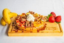 Waffle con Fruta y Chocolate