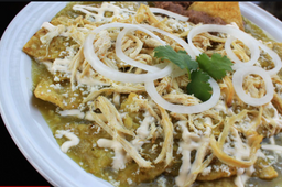 Chilaquiles con Pechuga