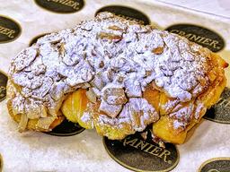Croissant Pasta de Almendra