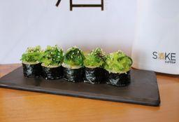 Maki Salmón Seaweed Takuan