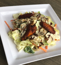 Ensalada Spicy Wings