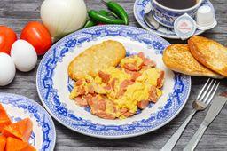 Huevos Revueltos con Salchicha