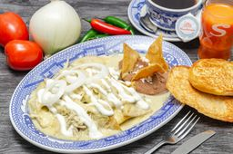 Chilaquiles Suizos con Pollo