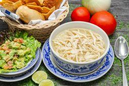 Sopa Especial con Guacamole
