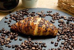 Croissant Relleno de Chocolate y Avellana