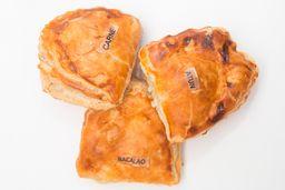 Empanada de Pollo con Mole
