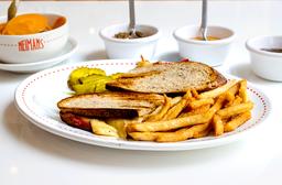 Sándwich Deli Style de Salami