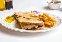 Sandwich de Corned Beef Roast Beef o Pastrami