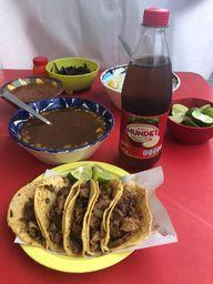 5 Tacos, Consomé y Sidral