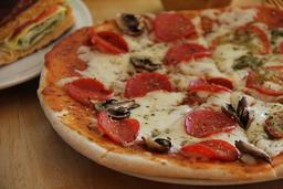Pizza Peperoni y champiñon