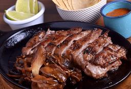 Tacos de Rib Eye con Queso