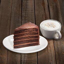 Capuchino 300 ml  + Rebanada Big Chocolate Cake