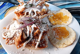 Chilaquiles Tecolotes