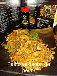 Pasta Yakisoba de pollo