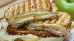 Sándwich de Tres Quesos