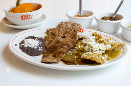 Carne Asada con Chilaquiles