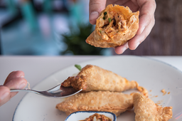 Empanadas de Camarón y Pulpo