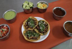 Tacos de Suadero y Maíz