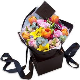 Ponch & Caprico Bouquet Tulipanes Lillies Rosas y Mini Rosas