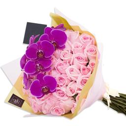 Ponch & Caprico Ramillete Rosas Rosadas y Vara de Orquideas