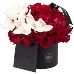 Ponch & Caprico Arreglo Orquideas y Rosas Rojas en Caja Domo