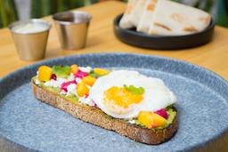 Toast Avocado y Huevo