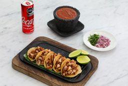 Tacos de Lechón y Refresco