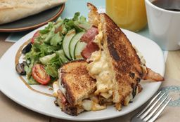 Grilled Cheese Sándwich con Tocino