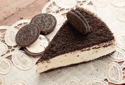 Rebanada de cheesecake óreo