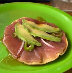 Tostada Atún Cubano