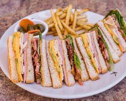 Club Sándwich + Refresco de lata