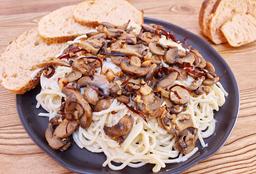 Spaguetti en Salsa Blanca