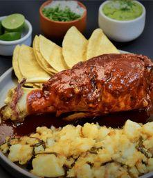 Carnitas de Chamorro de cerdo a los tres chiles