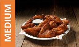 Hooters Smoked Wings Medium