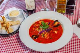 Sopa de Marisco en Salsa Roja