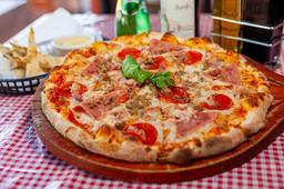 Pizza Carnívora + Pan de Ajo