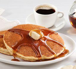 Paquete hot cakes + café americano por $99