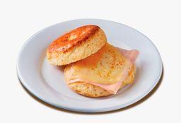 Bisquet Jamón y Queso Gouda (1 pza.)